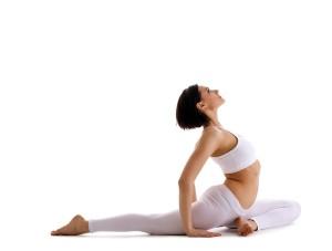 упражнения йоги для позвоночника фото